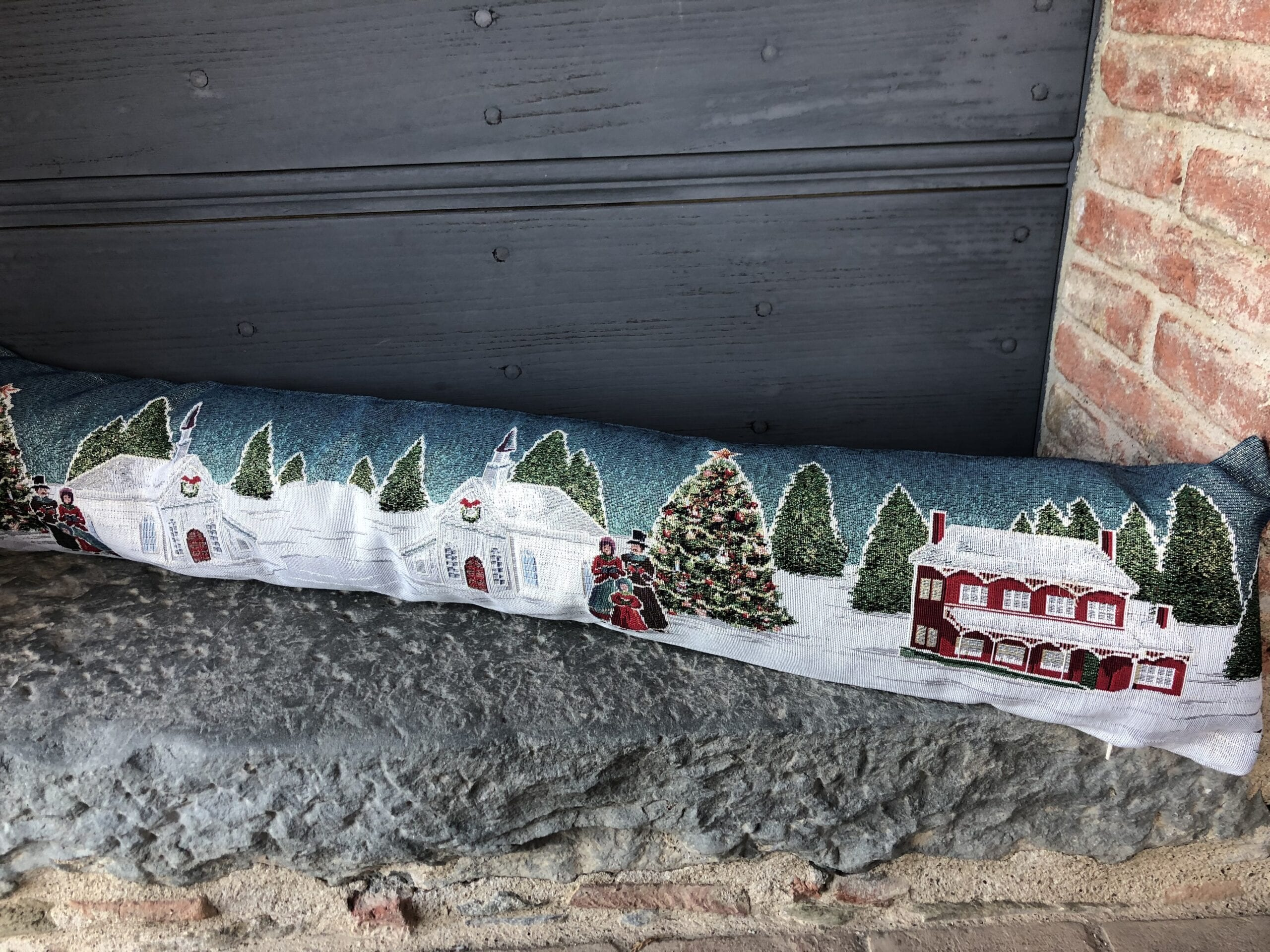 Paraspifferi – Paesaggio natalizio con albero