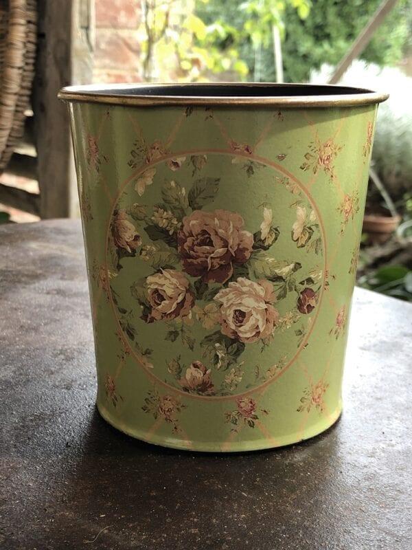 Vaso primavera – Verde con piccole rose