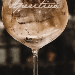 "Calice cocktail – Scritta ""Aperitivo"""