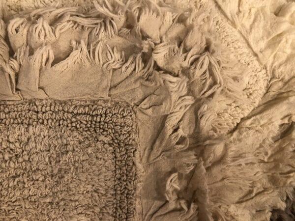 Tappeto con fronzoli – Beige