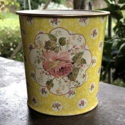 Vaso primavera – Giallo con una rosa grande