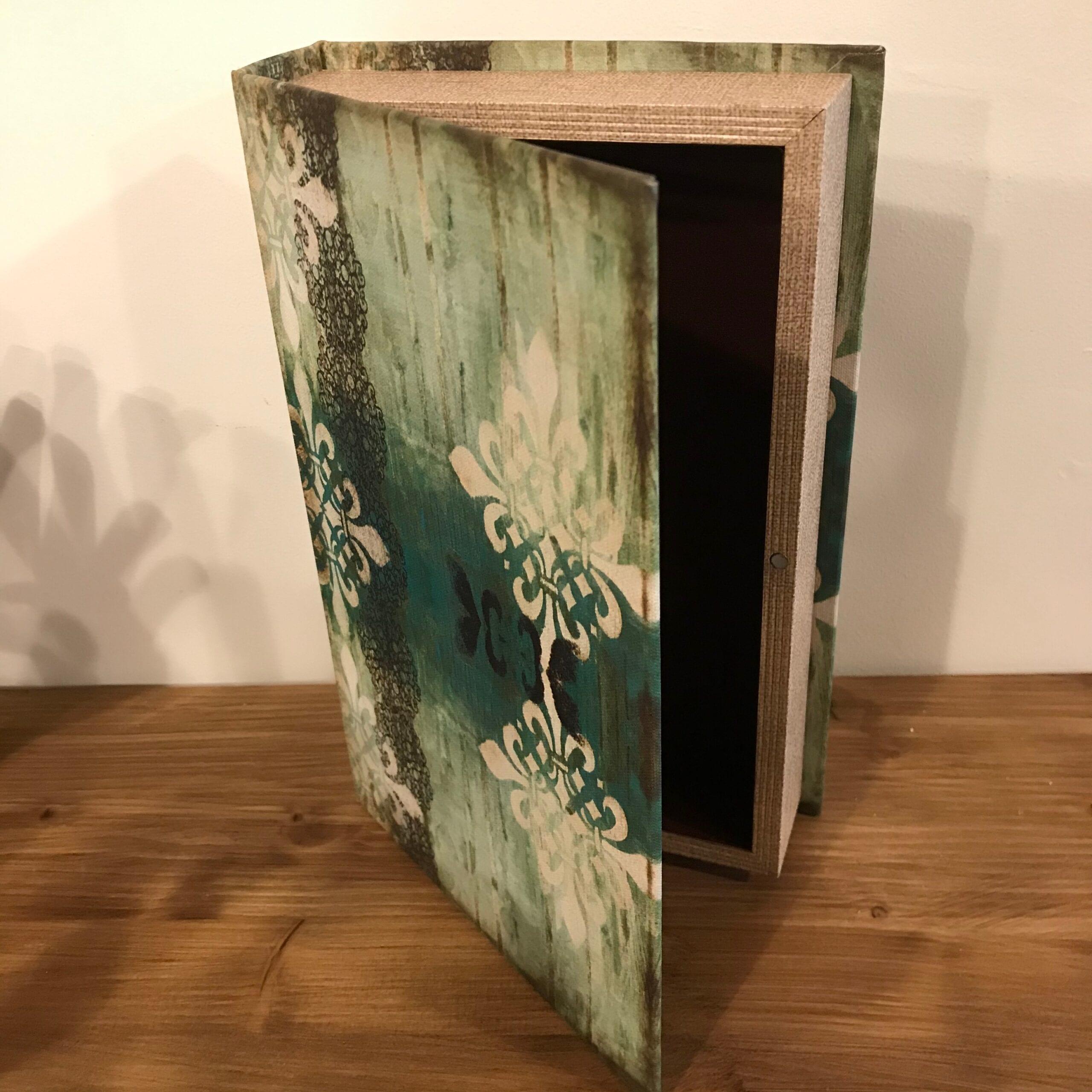 Piccola scatola a forma di Libro