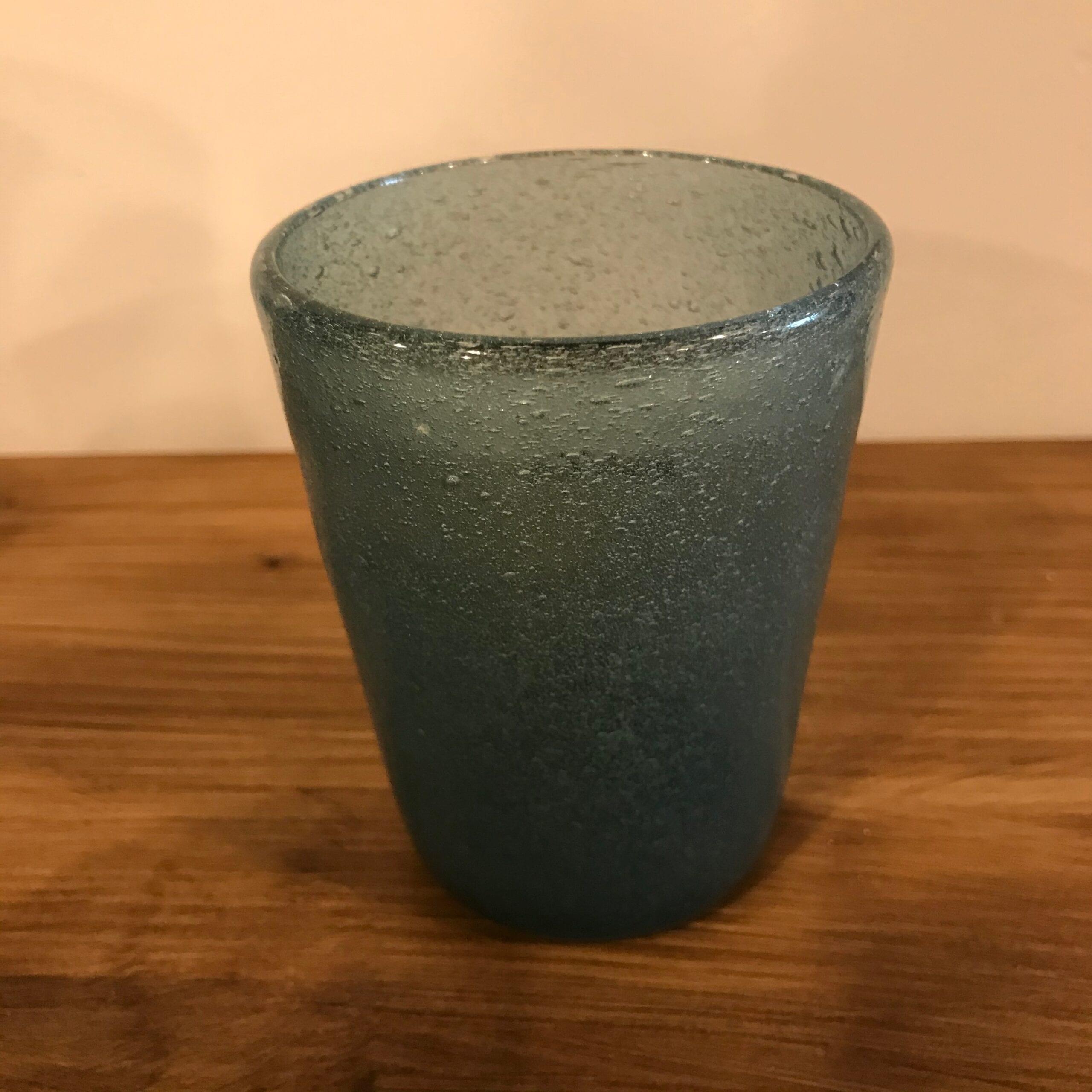 Bicchiere in vetro con bolle colorate – Blu/Verde