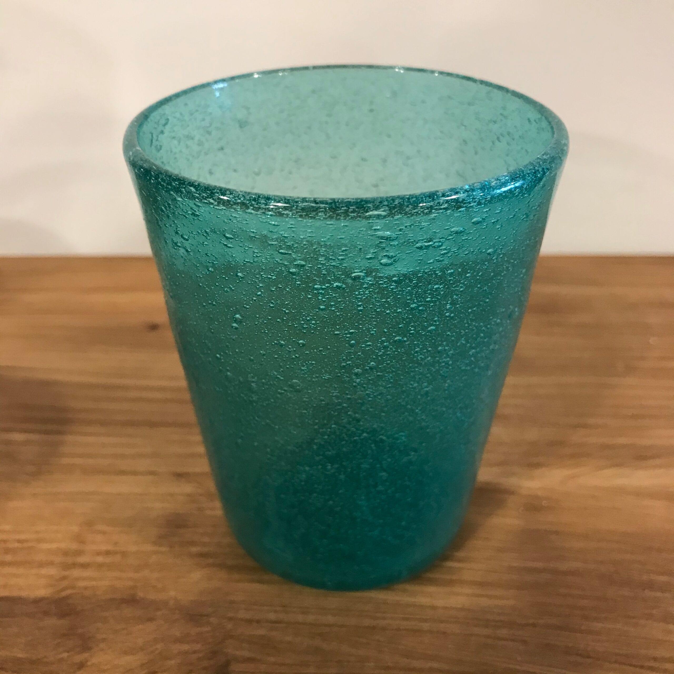 Bicchiere in vetro con bolle colorate – Turchese
