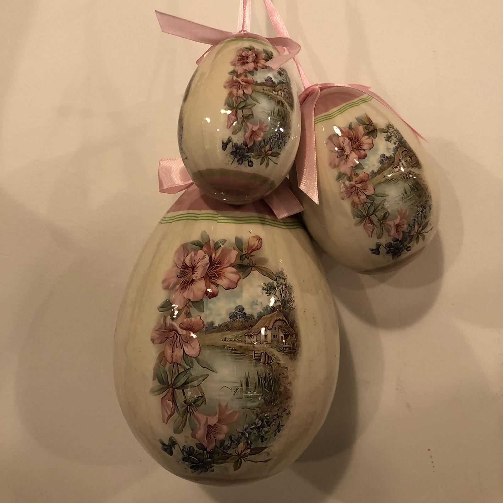 Set 3 uova di Pasqua con fiori e paesaggio
