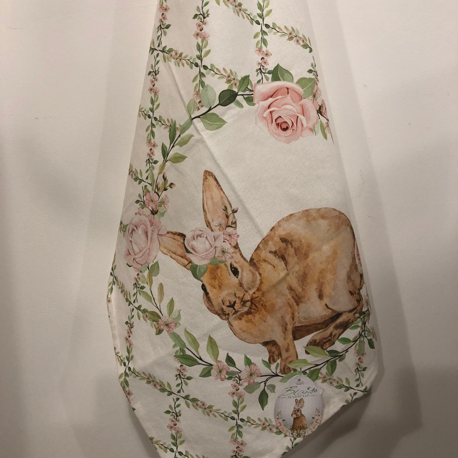 Conovaccio con coniglietto e rose