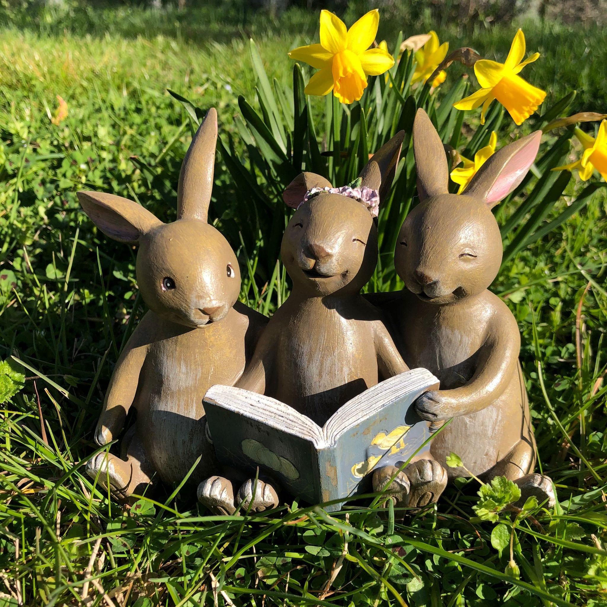 Decorazione con 3 coniglietti che leggono