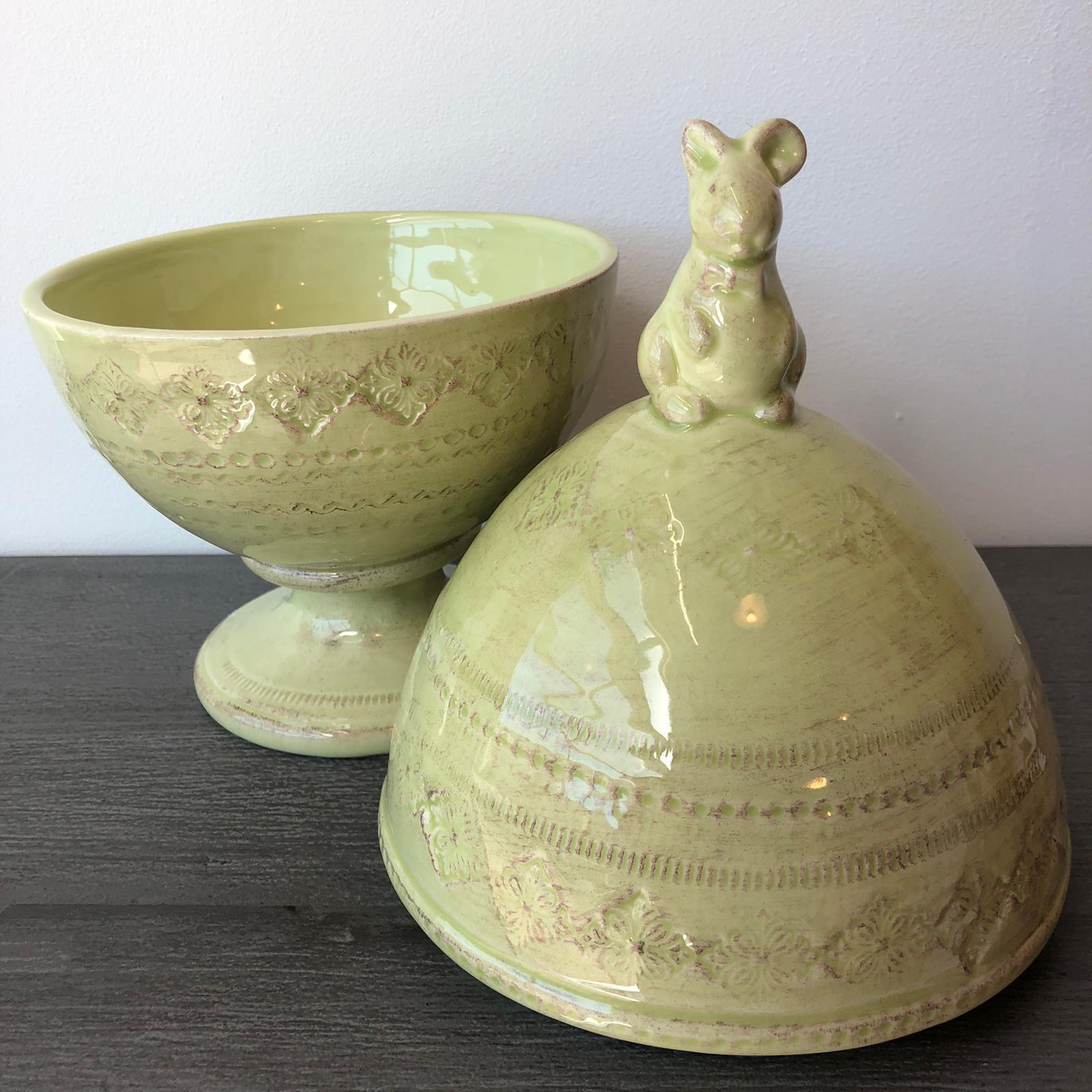 Scatola uovo in ceramica con coniglio – Verde