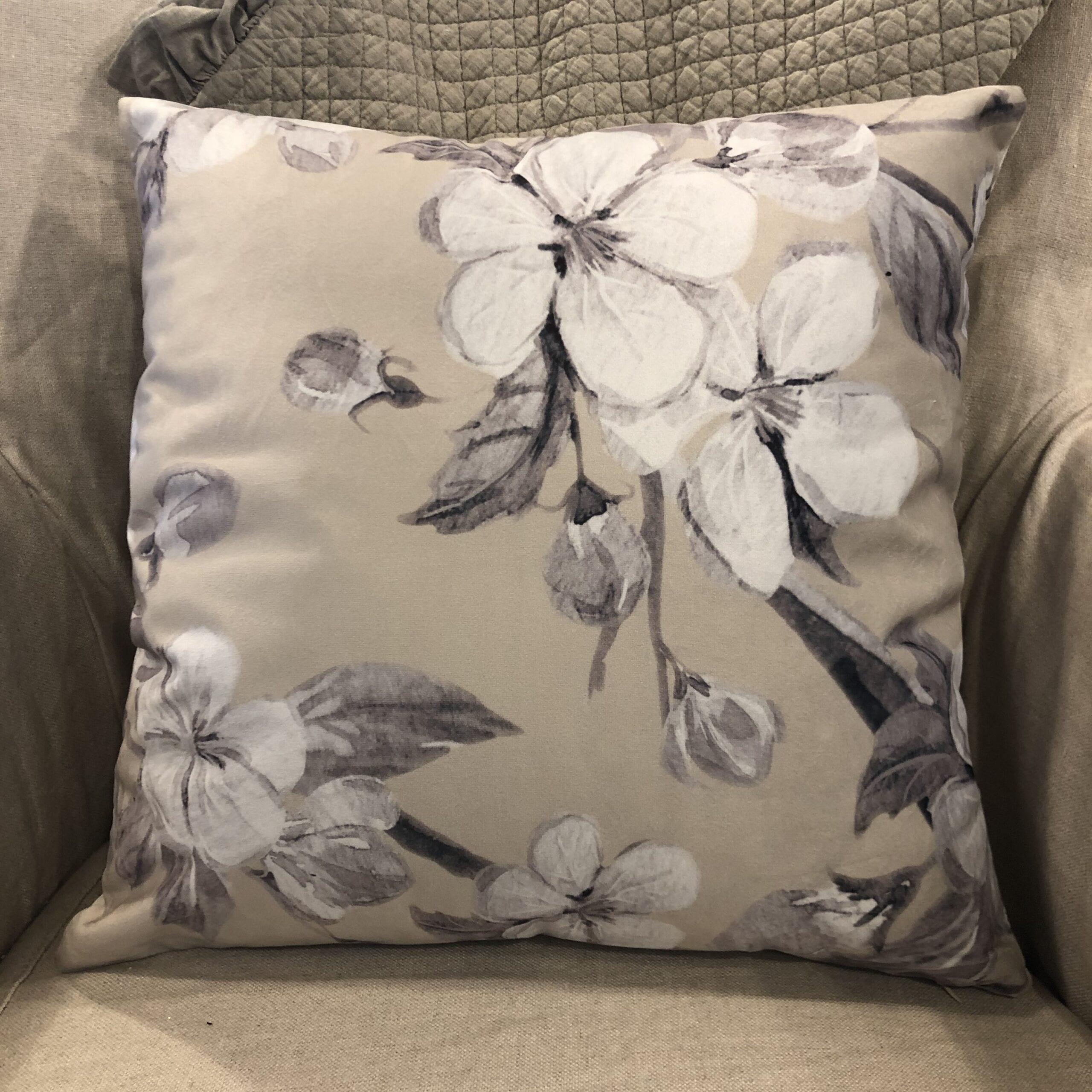 Cuscino quadrato floreale – Lino