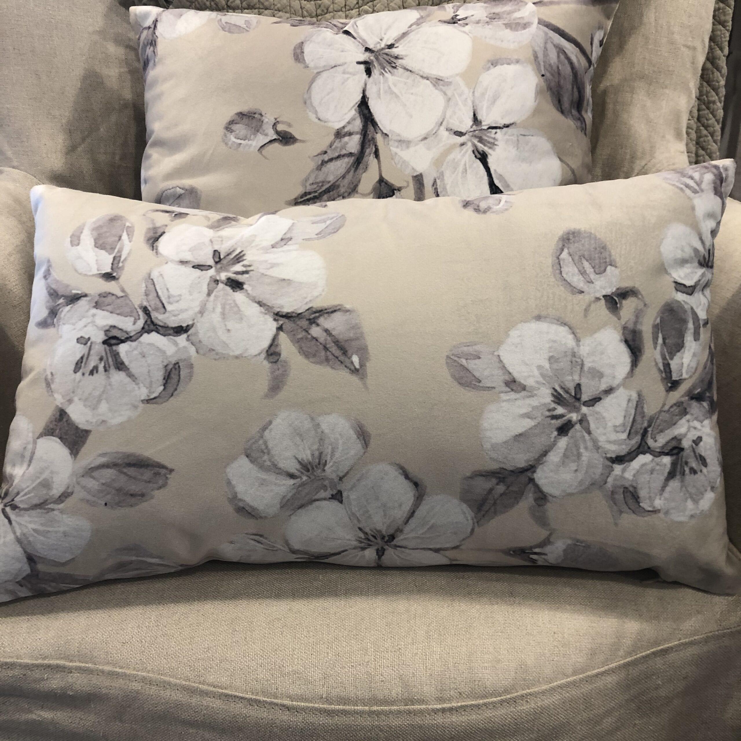 Cuscino rettangolare floreale – Lino
